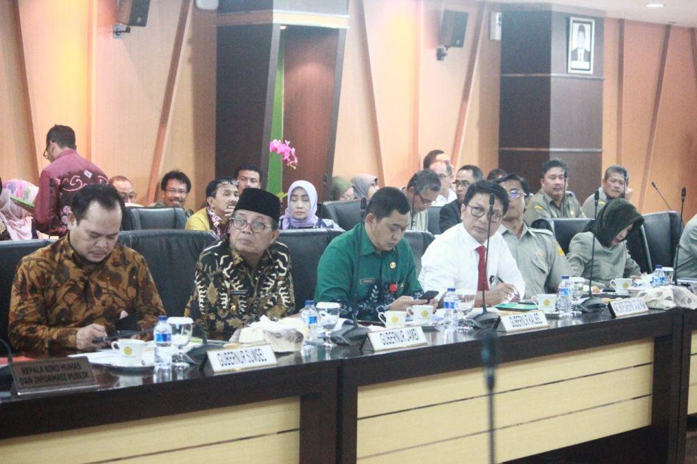 Plt Gubernur Jambi mengikuti rapat bersama Menteri Pertanian.