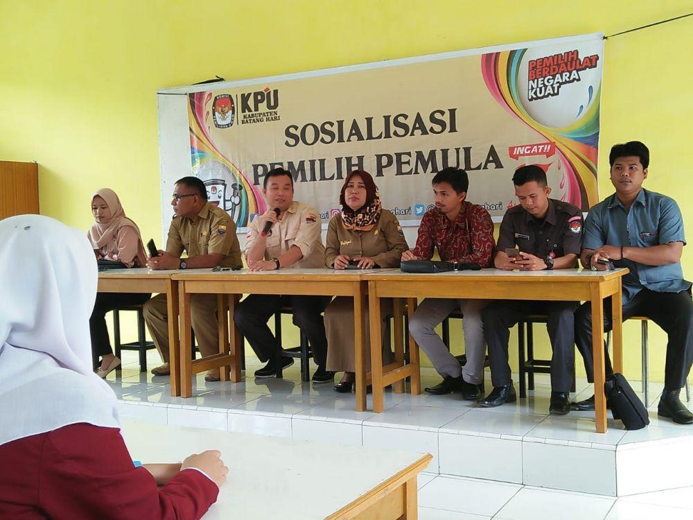Tekan Angka Golput, KPU Batanghari Sosialisasi Pemilih Pemula