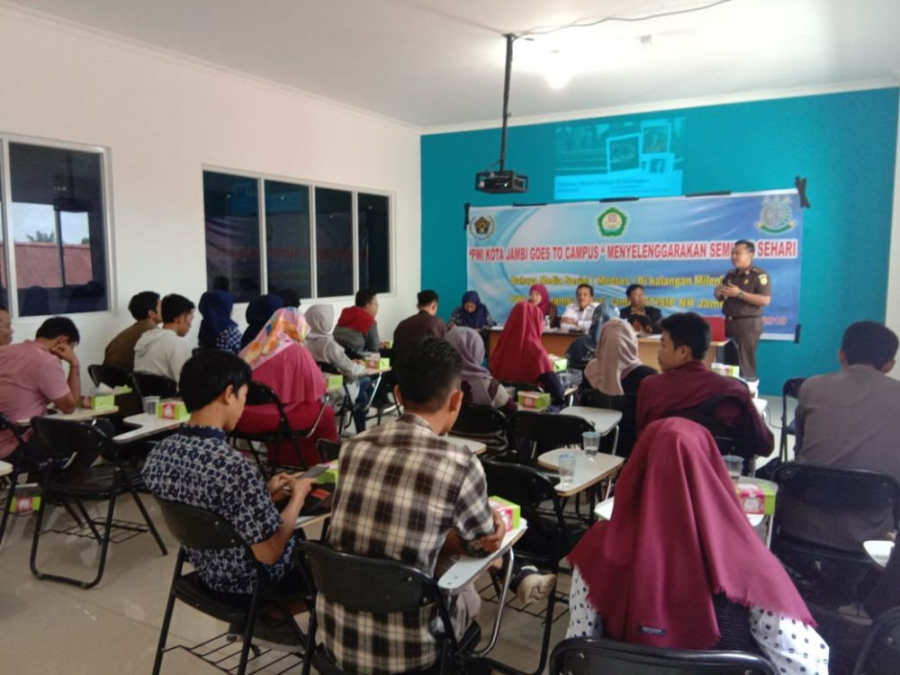 PWI Pokja Kota Jambi Gelar Seminar Bahaya Media Sosial di Kalangan Milenial