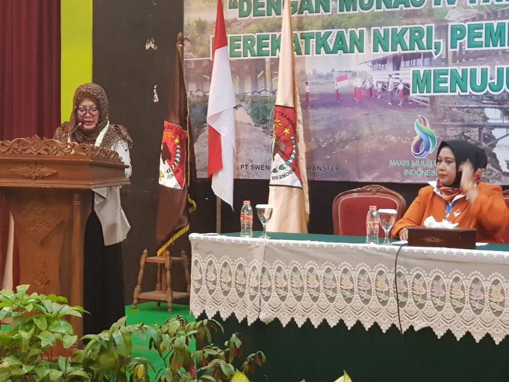 Mbak Tutut saat membuka Musyawarah Nasional IV Persatuan Anak Transmigran RI (PATRI) yang berlangsung di Hotel Desa Wisata, Taman Mini Indonesia Indah, Jakarta, 12-14 Maret 2019.