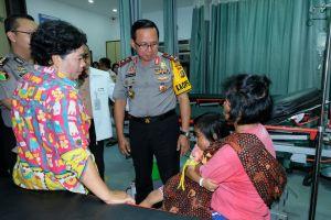 Polisi Peduli Sesama, Polda Jambi Bantu Pengobatan Balita Perempuan Penderita Tumor di Leher