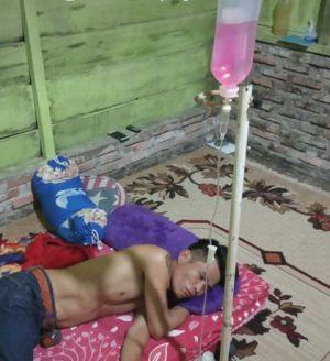 Kelelahan Bertugas Kawal Pemilu, Aprizal, Anggota Pengawas Kelurahan Sakit