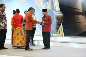 Gubernur Jambi Fachrori Raih Penghargaan K3