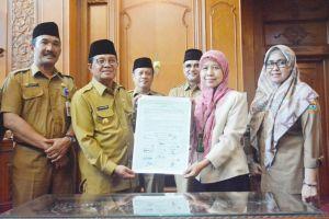 Fachrori Tanda Tangani Kesepakatan Penyelamatan Danau Prioritas Nasional