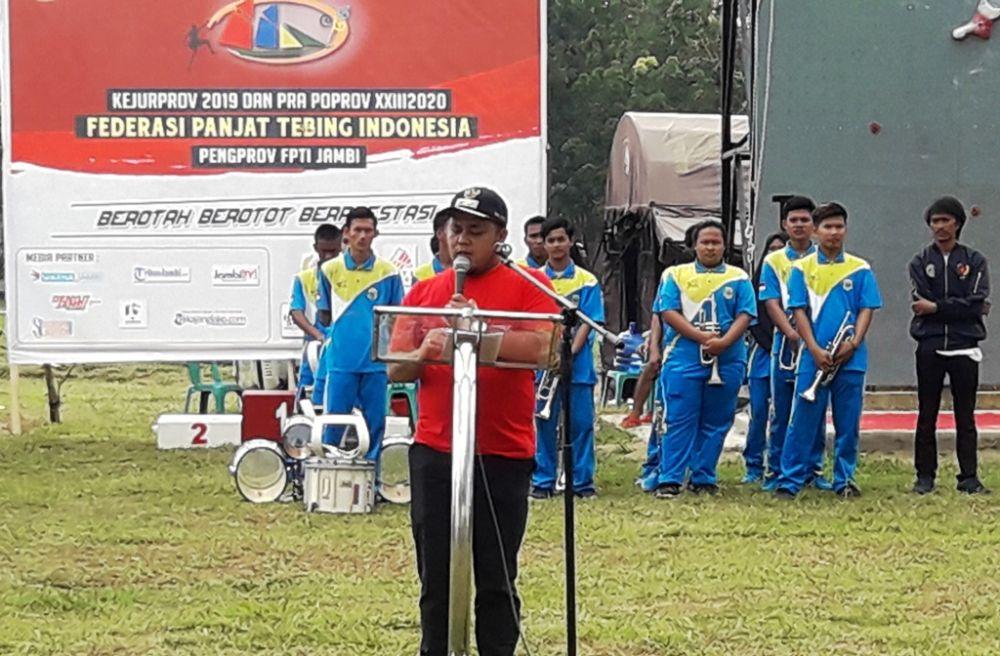 Wabup Robby saat membuka Kejurprov Panjat Tebing 2019.