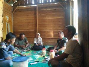 Danramil Cek Kesiapan Rumah Orang Tua Asuh yang Dihuni Anggota SatgaS TMMD
