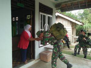 Usai Gladi Resik, Tim Satgas Langsung ke Rumah Orang Tua Asuh