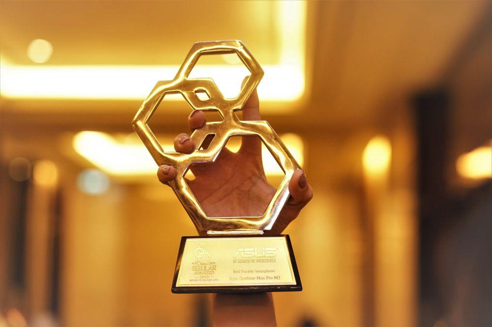 """ASUS ZenFone Max Pro M2 Raih Penghargaan Sebagai """"Best Durable Smartphone"""""""