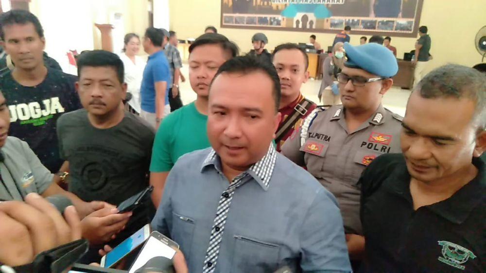 Direktur Kriminal Umum Polda Jambi, Kombes Pol Edi Fariyadi saat menyampaikan penangkapan 18 orang