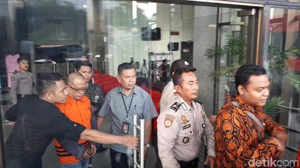 Breaking News.. !!!! Supardi Mangkir, KPK Tahan 2 Anggota DPRD Tersangka Suap Pengesahan APBD