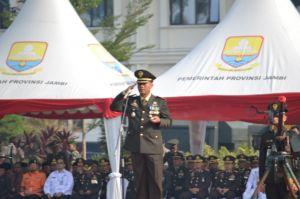 Bacakan Amanat Panglima di HUT TNI ke-74, Danrem 042 Gapu: TNI Profesional Kebanggaan Rakyat