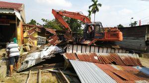 Pemilik Bangunan Hadang Petugas Eksekusi