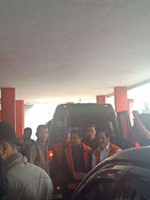 KPK Langsung Bawa Tiga Tersangka Mantan Anggota DPRD Jambi ke Lapas