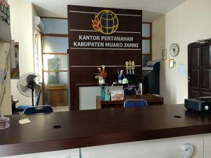 Hingga Jam 11 Siang Loket Pelayanan BPN Muarojambi Kosong Melompong