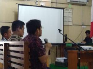 Hakim Cerca Asrul Soal Uang Rp 5