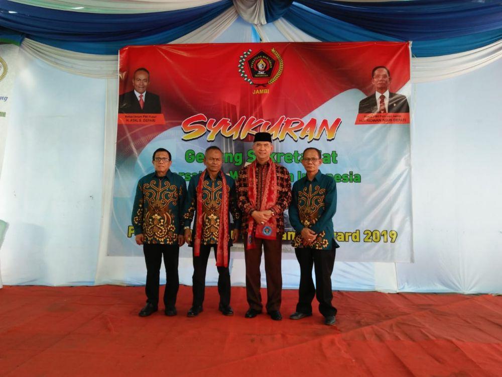 Walikota Jambi Terima PWI Award 2019 Sebagai Tokoh Peduli Pers