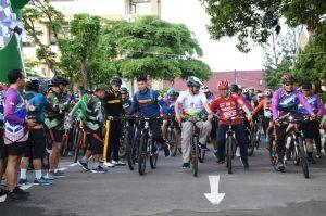 Sambut Hari Juang TNI AD di Jambi, TNI - POLRI Gowes Bersama Rakyat