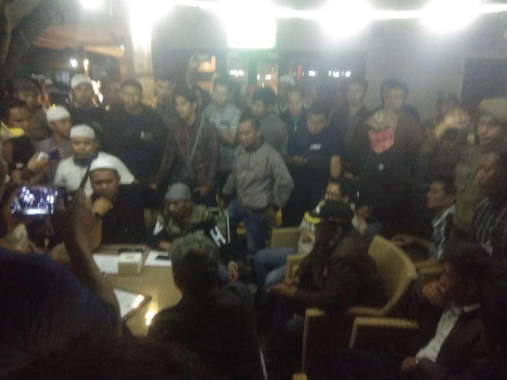 FPI Dibantu Satpol PP Razia Fellas Cafe Jambi, Ketegangan Pun Sempat Terjadi