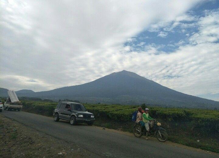 Antisipasi Virus Corona Bb Tnks Tutup Jalur Pendakian Gunung Kerinci Jambi One Portal Berita Paling Jambi