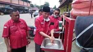 Antisipasi Penyebaran Covid-19, PDIP Bagi Masker dan Sediakan Tempat Cuci Tangan di Angso Duo