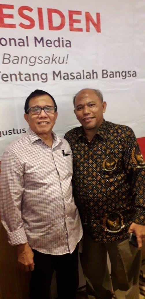 Zulfikar Tanjung bersama Wakil Ketua Dewan Pers Hendry Ch Bangun (kiri)