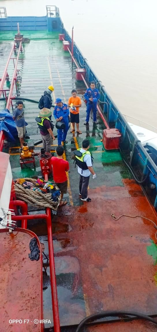 Polisi Amankan Tanker Muatan 60 Ton Minyak Ilegal