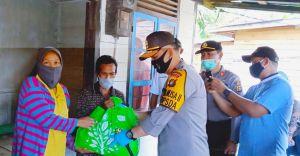 Polda Jambi Bagikan 5.500 Paket Sembako untuk Masyarakat Kurang Mampu