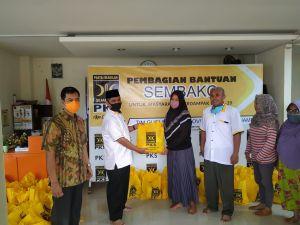 PKS Jambi Salurkan Bantuan Warga Terdampak Covid 19 Senilai Rp 774 juta