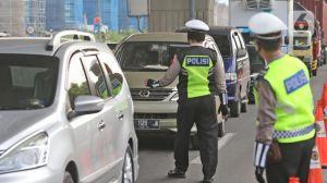 Membeludak, H-3 Lebaran Polisi Tindak 4.304 Kendaraan yang Nekat Mudik