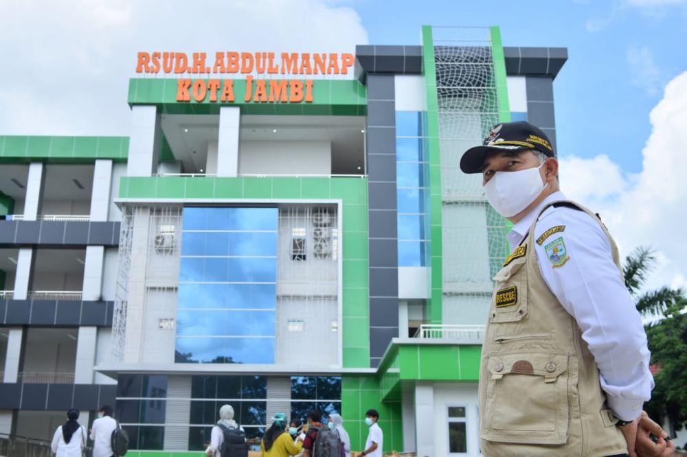 MH pasien positif Covid-19 sempat berbincang dengan wali kota Jambi beberapa waktu lalu saat dirawat di RSUD Abdul Manap.
