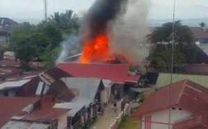 Diduga dari Puntung Rokok, Satu Unit Rumah Ludes Terbakar