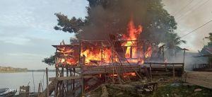 Diduga Korsleting Listrik, Kebakaran  Londrang Telan 1 Meninggal 3 Luka Bakar