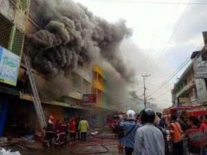 Kebakaran Hebat di Gang Siku Pasar Jambi