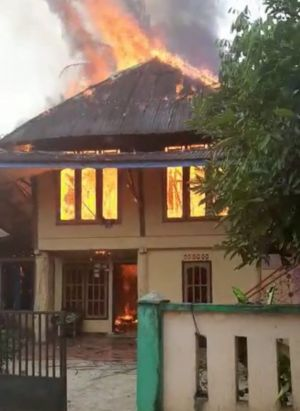 Satu Rumah di Kampung Mesjid Rata Terbakar
