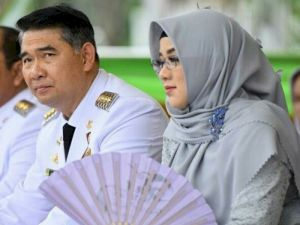 Fasha Bersama Istri dan Anaknya Sembuh