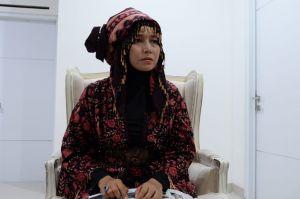 Makna Pakaian Batik Khas Jambi yang Dipakai Ratu Munawaroh dalam Debat Cawagub
