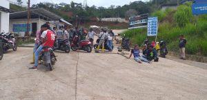Tuntut Warga Setempat Jadi Karyawan Tetap, Warga Tamiai Blokir Jalan Masuk PLTA