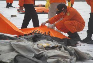 Cari Black Box Sriwijaya Air SJ 182, Polri Kerahkan 50 Penyelam