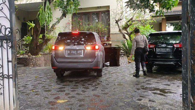 KPK menggeledah rumah orang tua politikus PDIP Ihsan Yunus