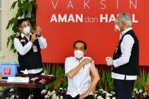 Ini Daftar Nama yang Divaksin Bareng Jokowi, Ada Rafi Ahmad Juga