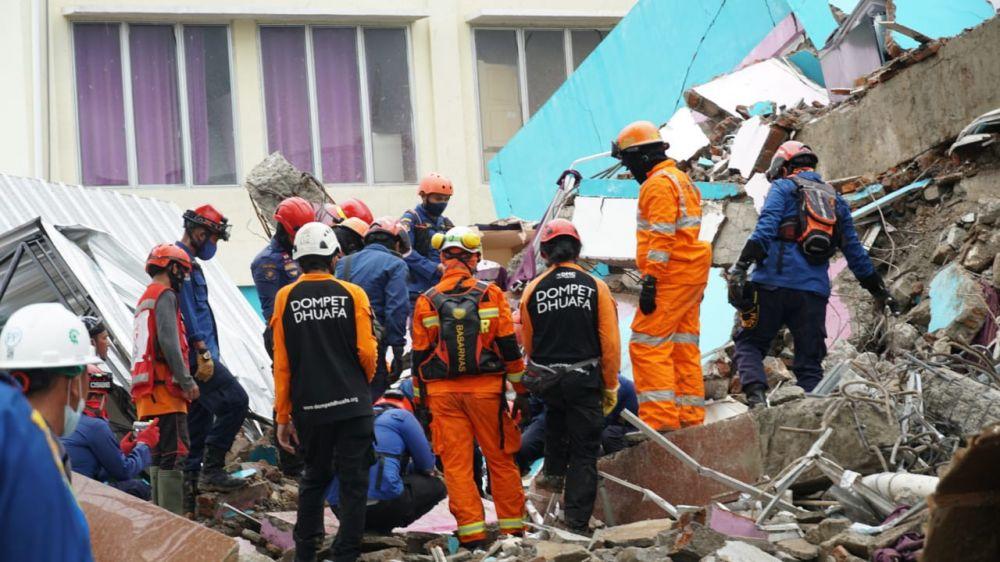 Kabar Duka, 73 Orang Meninggal Dunia Akibat Gempa Sulbar