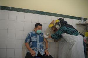 H Al Haris Suntik Vaksin Covid-19 Tahap Kedua