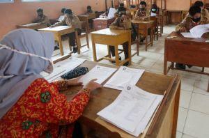 Mendikbud Jamin Sekolah Kurang Dari 60 Murid Tetap Dapat Dana BOS