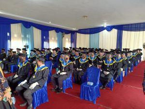 216 Mahasiswa STIA Nusa di Wisuda