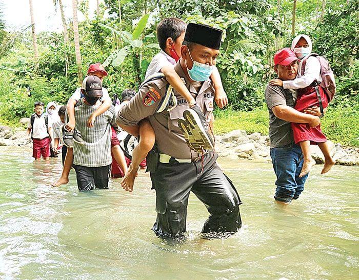 Dijuluki Bon Ali karena Sering Ngebon di Kantin Pesantren