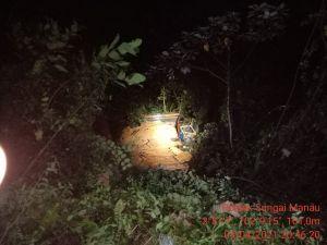 Truk Muatan Kayu Masuk Jurang Sedalam 60 Meter di Jalan Bangko-Kerinci, 1 Tewas, 4 Luka Beràt