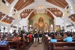 Kunjungi Gereja, Fasha Sampaikan Pesan Damai Paskah