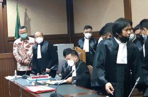 Edhy Prabowo dan 5 Terdakwa Lainnya Dihadirkan Langsung ke Persidangan