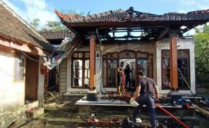 Rumah Terbakar, 82 Sertifkat dan Uang Tunai Puluhan Juta Hangus