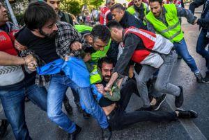 Langgar Prokes Covid-19, Aksi Buruh Sejumlah Negara Diwarnai Penahanan